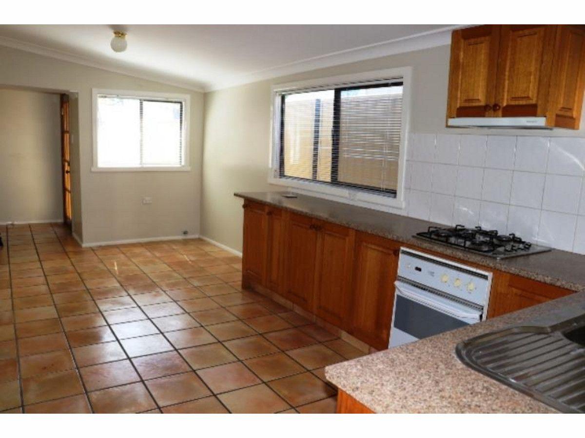 96 Durham Street, Bathurst NSW 2795, Image 2