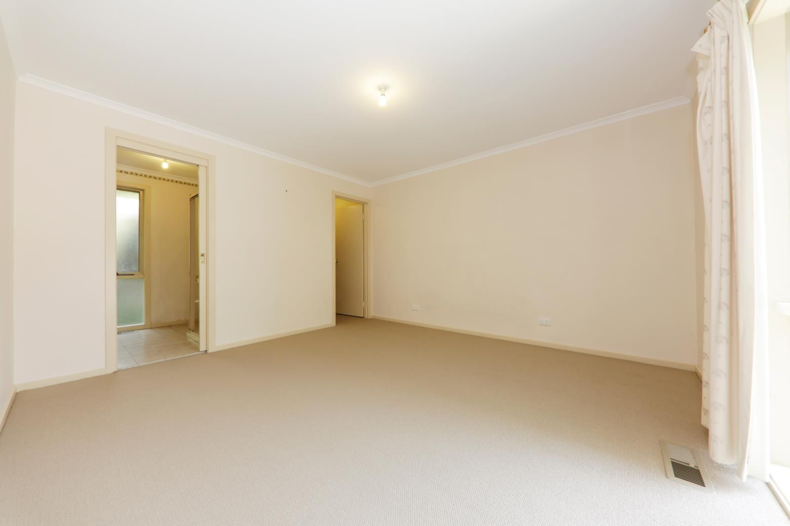 2/202 Lawrence Rd, Mount Waverley VIC 3149, Image 1