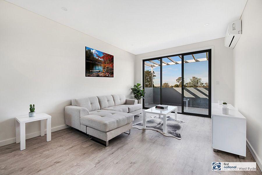 28 Satinwood Crescent, Bonnyrigg NSW 2177, Image 2