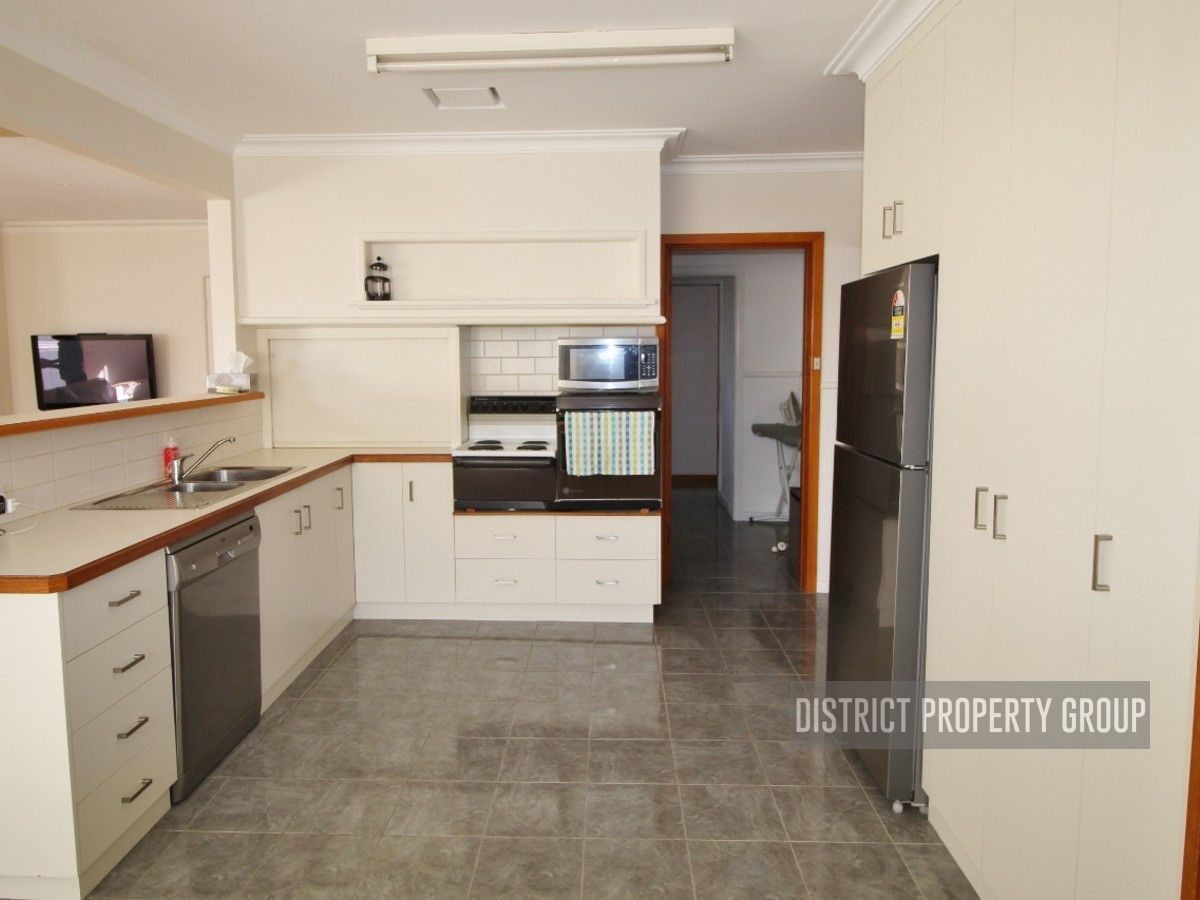 28 Phillipson Street, Wangaratta VIC 3677, Image 2