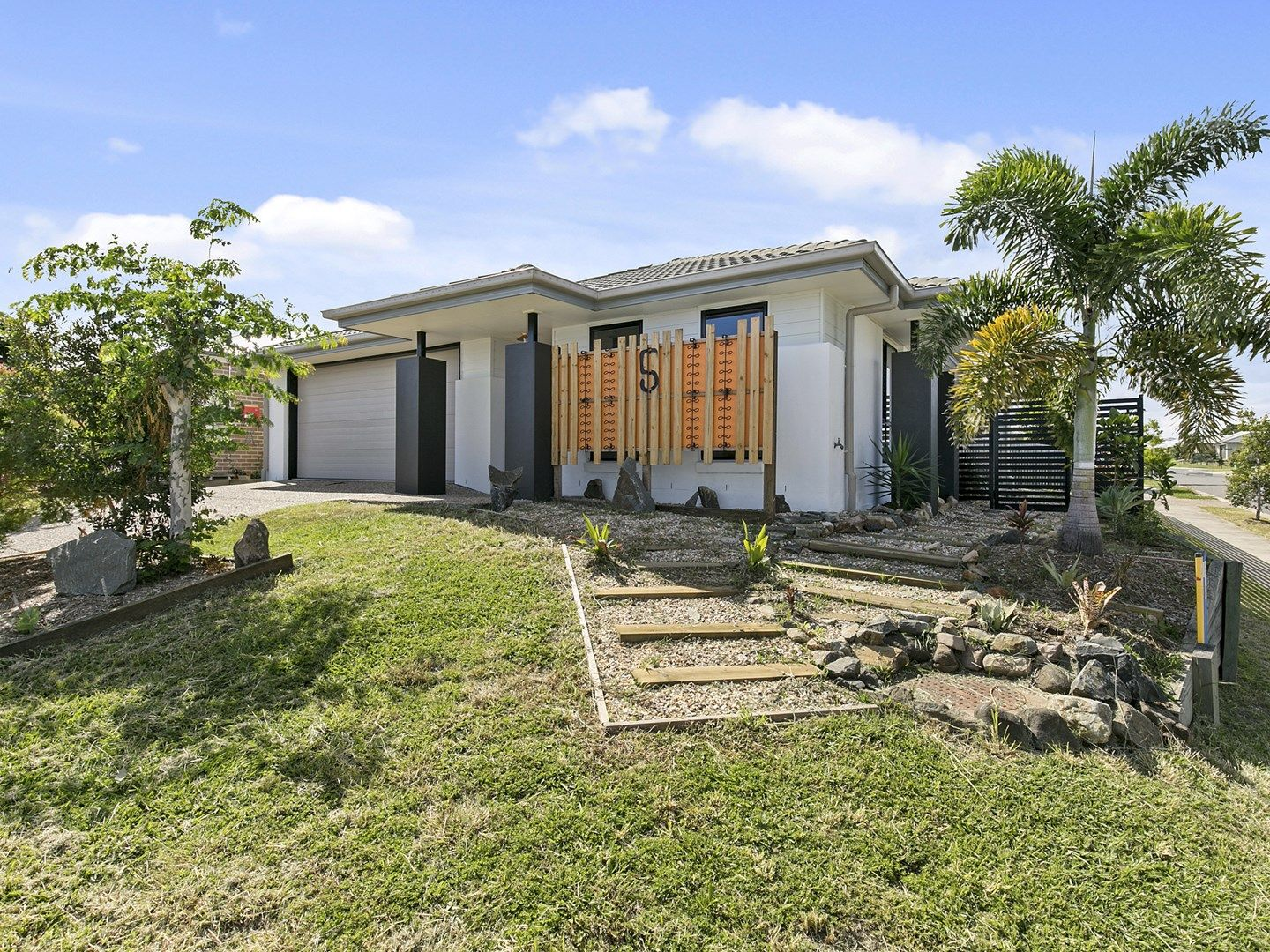 5 Huntley Crescent, Redbank Plains QLD 4301, Image 1