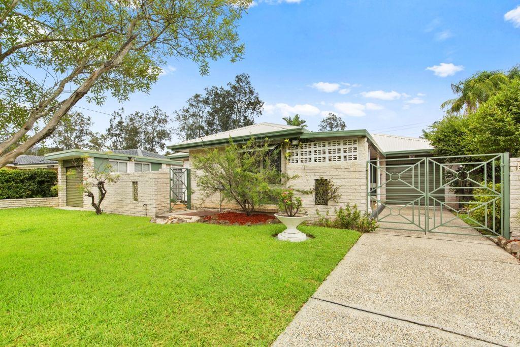 24 Uratta Street, West Gosford NSW 2250, Image 0