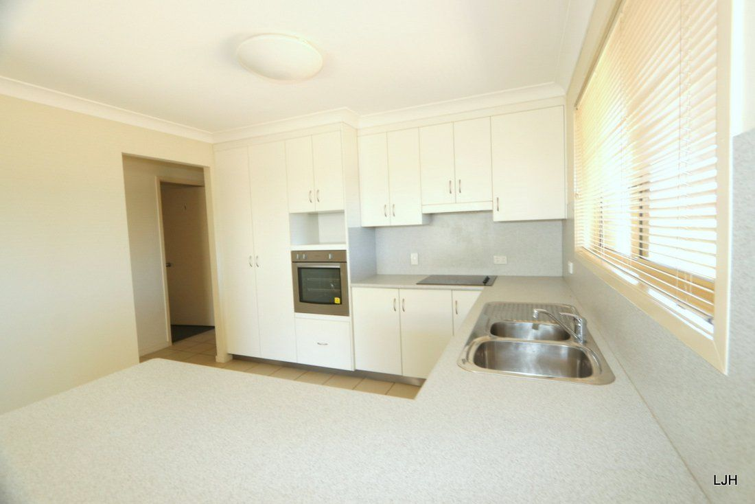6 Cowan Crescent, Emerald QLD 4720, Image 1