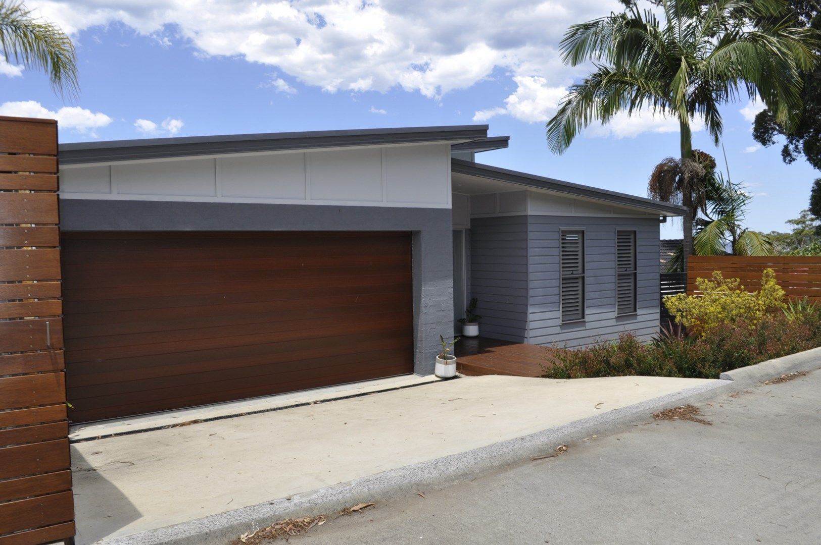 17 Beachcomber Pde, North Avoca NSW 2260, Image 0
