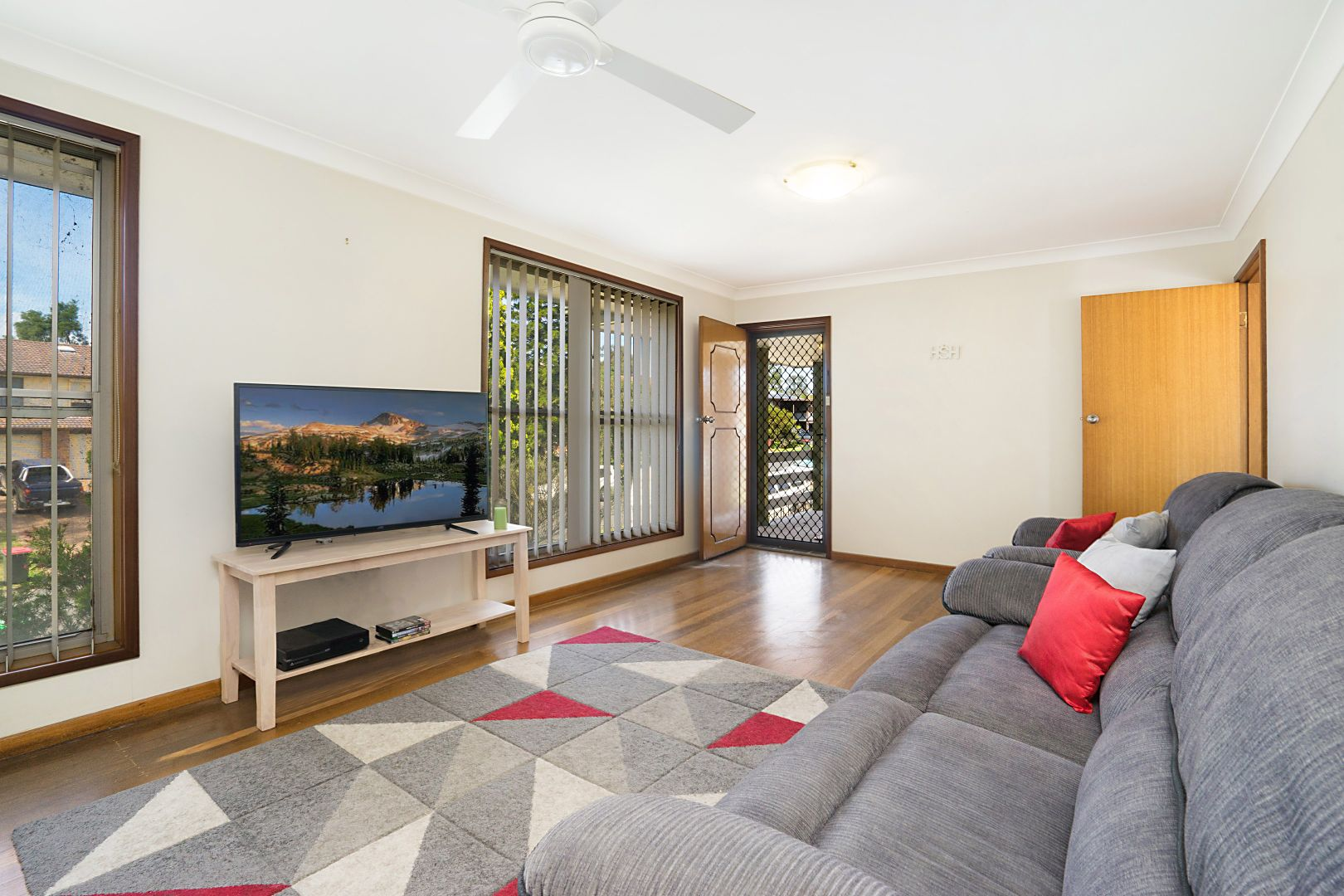 13 Gibson Close, Singleton Heights NSW 2330, Image 2