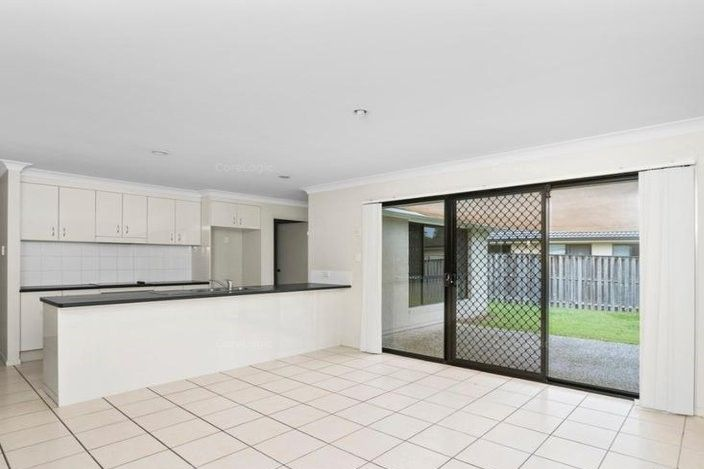 6 Angourie Crescent, Pacific Pines QLD 4211, Image 0