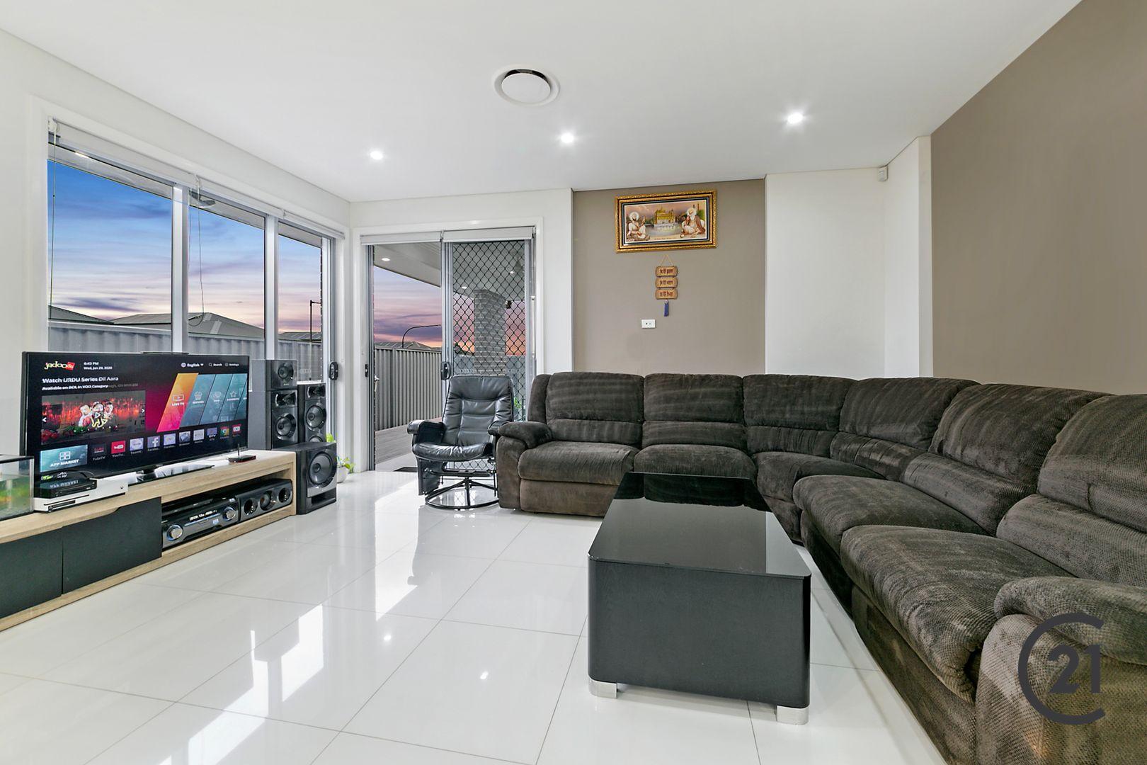24 Jayden Crescent, Schofields NSW 2762, Image 2