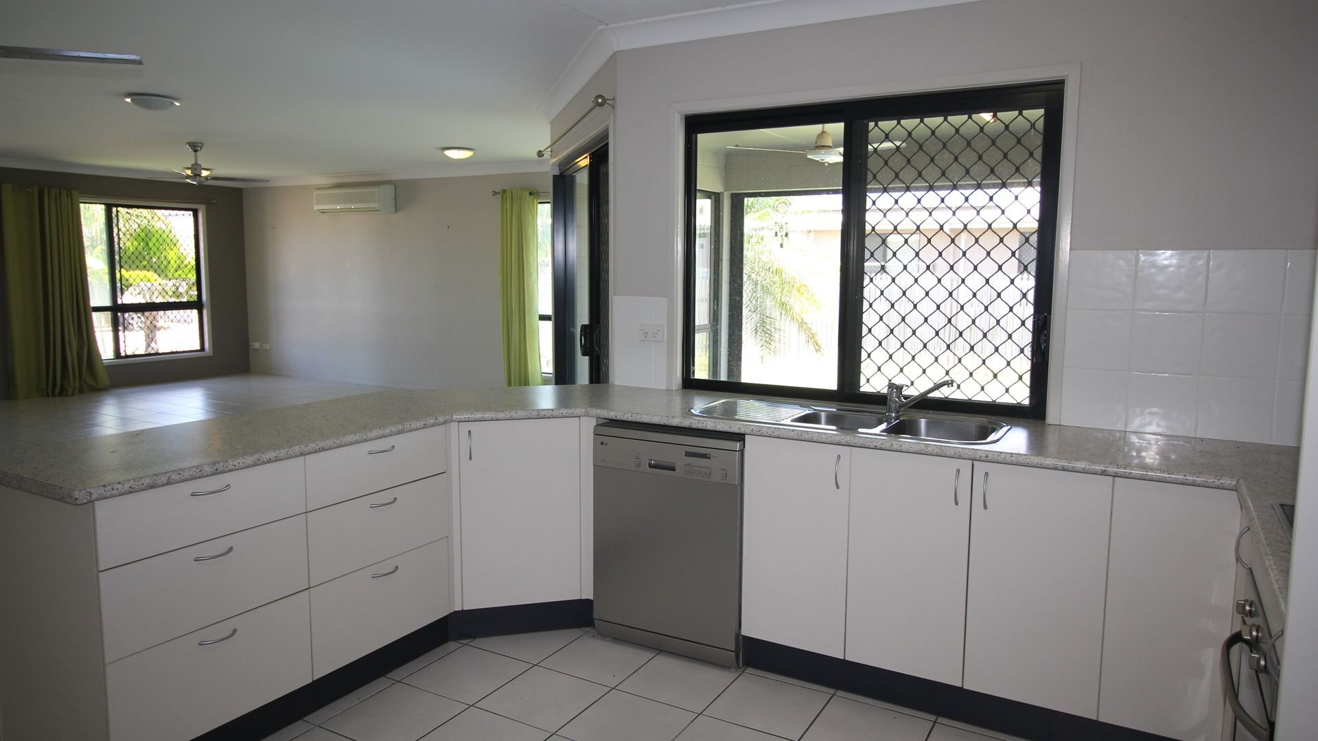 7 Raptor Court, Condon QLD 4815, Image 2
