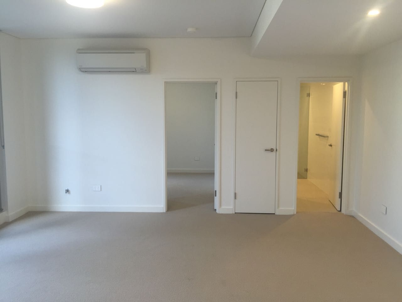 109/41 Hill Rd, Wentworth Point NSW 2127, Image 2