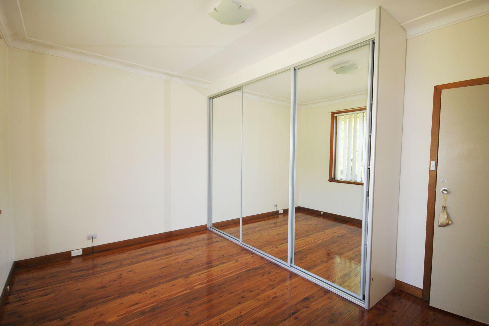 1/18 Connemarra Street, Bexley NSW 2207, Image 2
