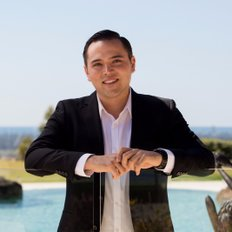 Joel Lo, Sales representative