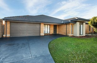 18 Fanfare Close, Berwick VIC 3806