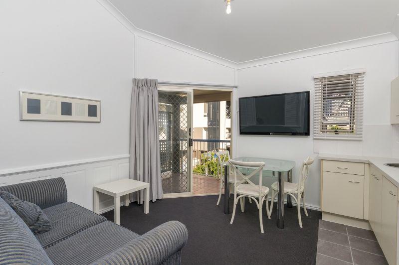 32/45 Wharf Street, Kangaroo Point QLD 4169, Image 1