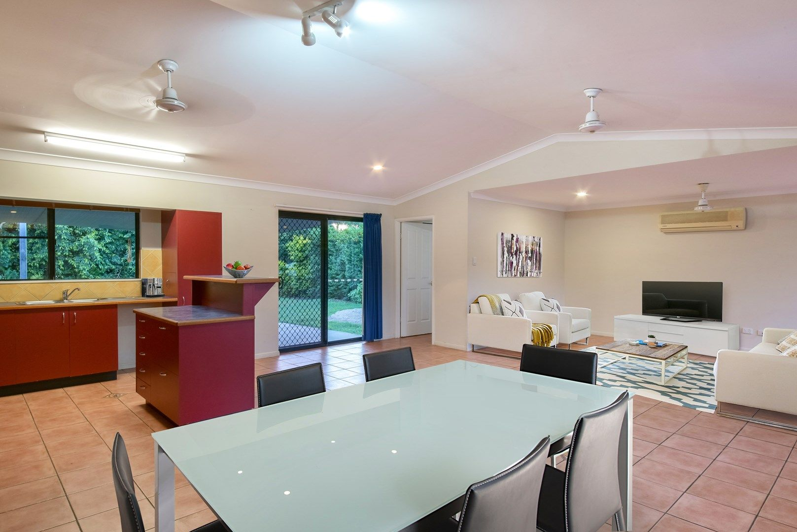 32 Valley Drive, Cannonvale QLD 4802, Image 0