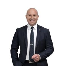 Alistair Boyle, Sales representative