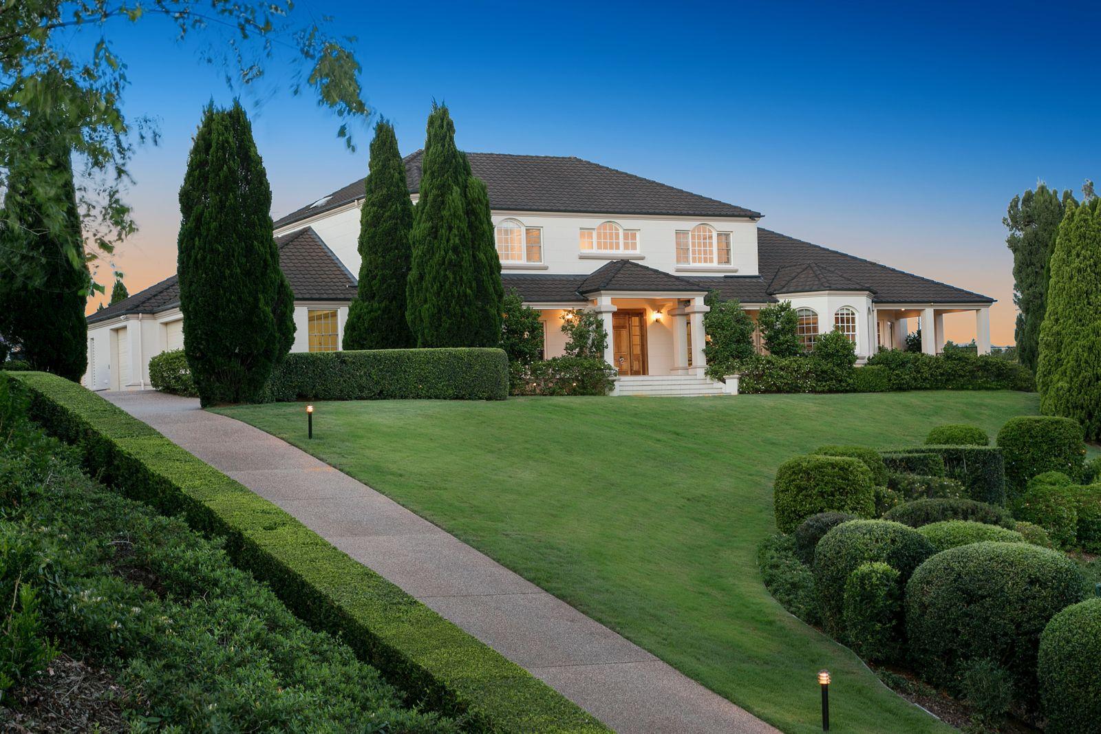 17 Leatherwood Place, Brookfield QLD 4069, Image 1