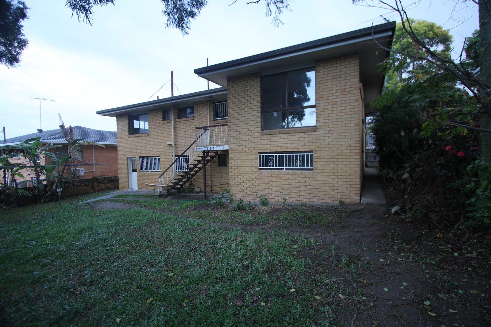 27 Swanfield Street, Macgregor QLD 4109, Image 2
