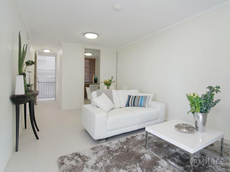 3/2 Ballymore Street, Kelvin Grove QLD 4059, Image 2