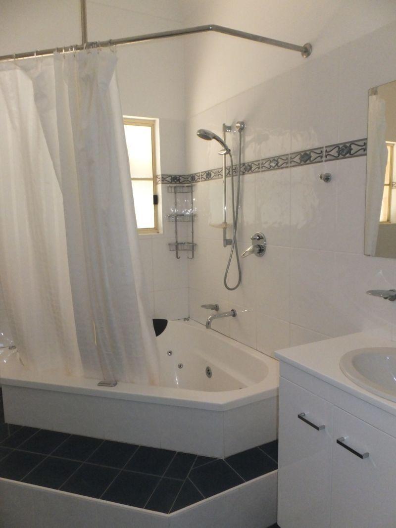 31 Queen Street, Gulgong NSW 2852, Image 2