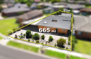 Picture of 10 Woodstock Drive, Gladstone Park VIC 3043