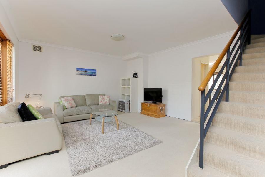 2/9 Swan Street, North Fremantle WA 6159, Image 1
