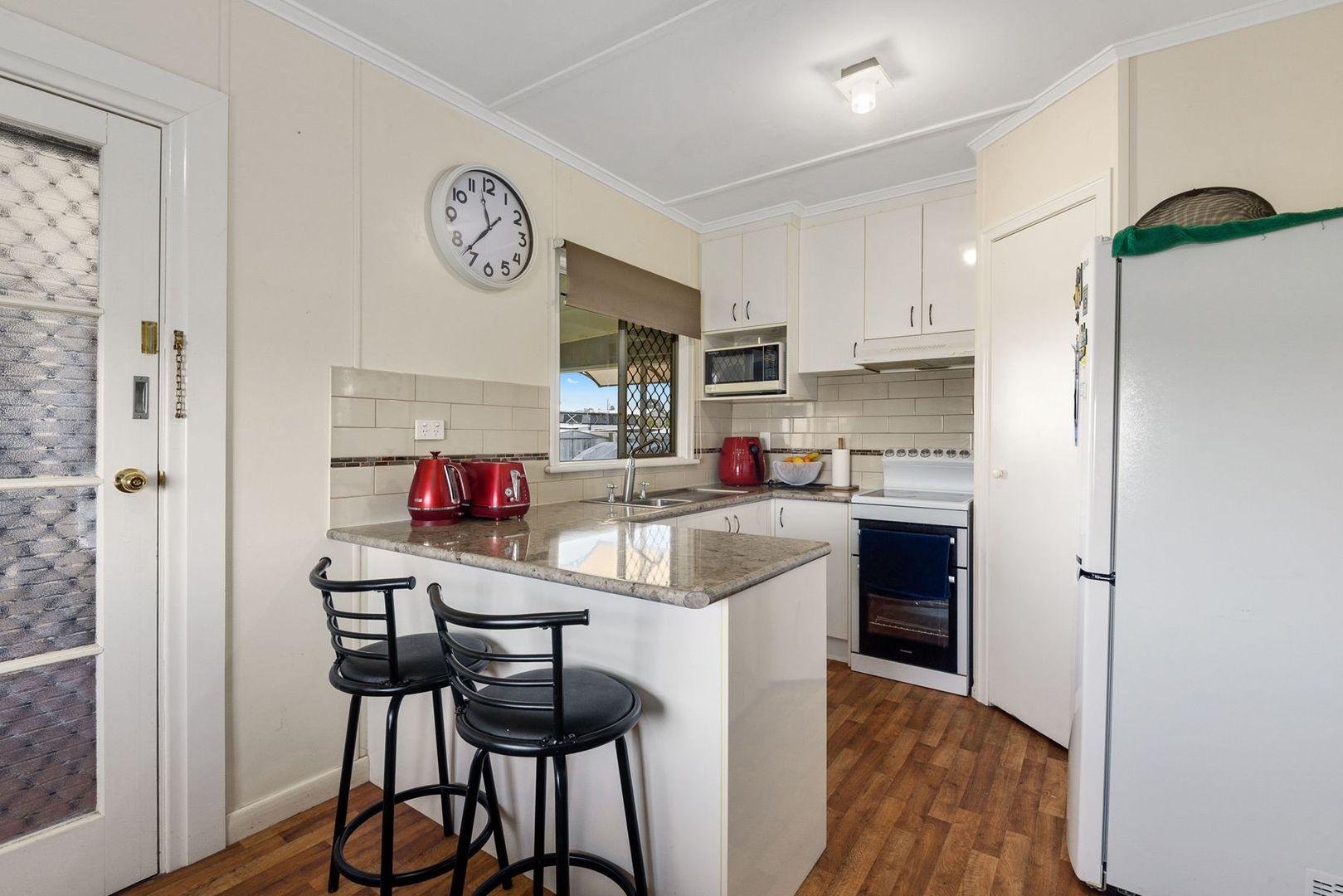 32 Jackson Street, Nobby QLD 4360, Image 2
