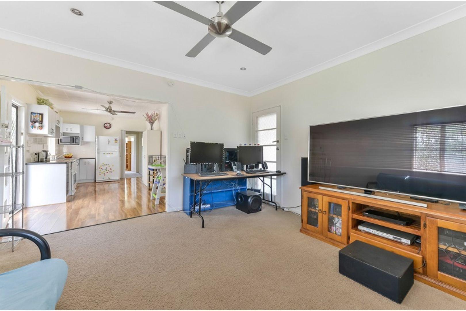 49 Miles Street, Bald Hills QLD 4036, Image 2