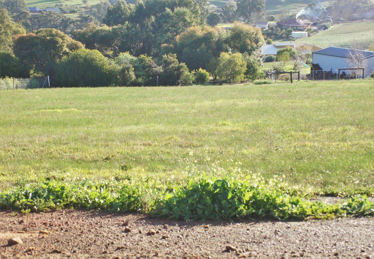 13 Robinia Way, Kangaroo Gully WA 6255, Image 1