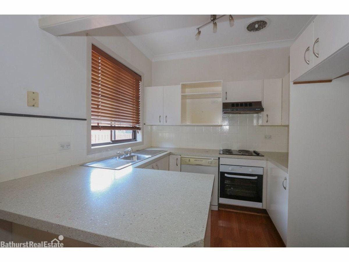 4 Banks Street, Bathurst NSW 2795, Image 1