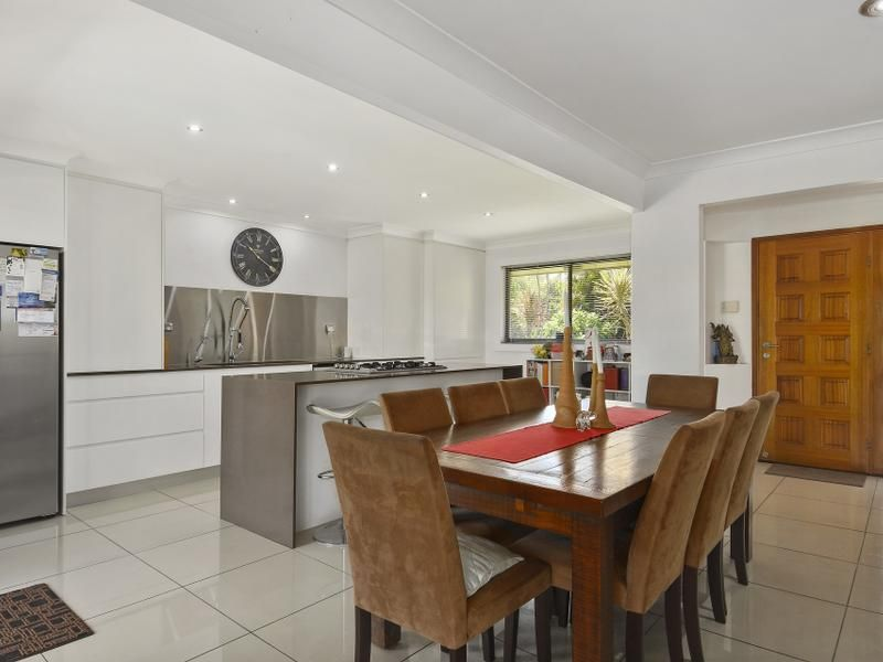 76 Campbell Street, Sorrento QLD 4217, Image 2