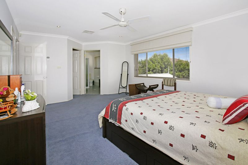 22 Orleans Way, Castle Hill NSW 2154, Image 2