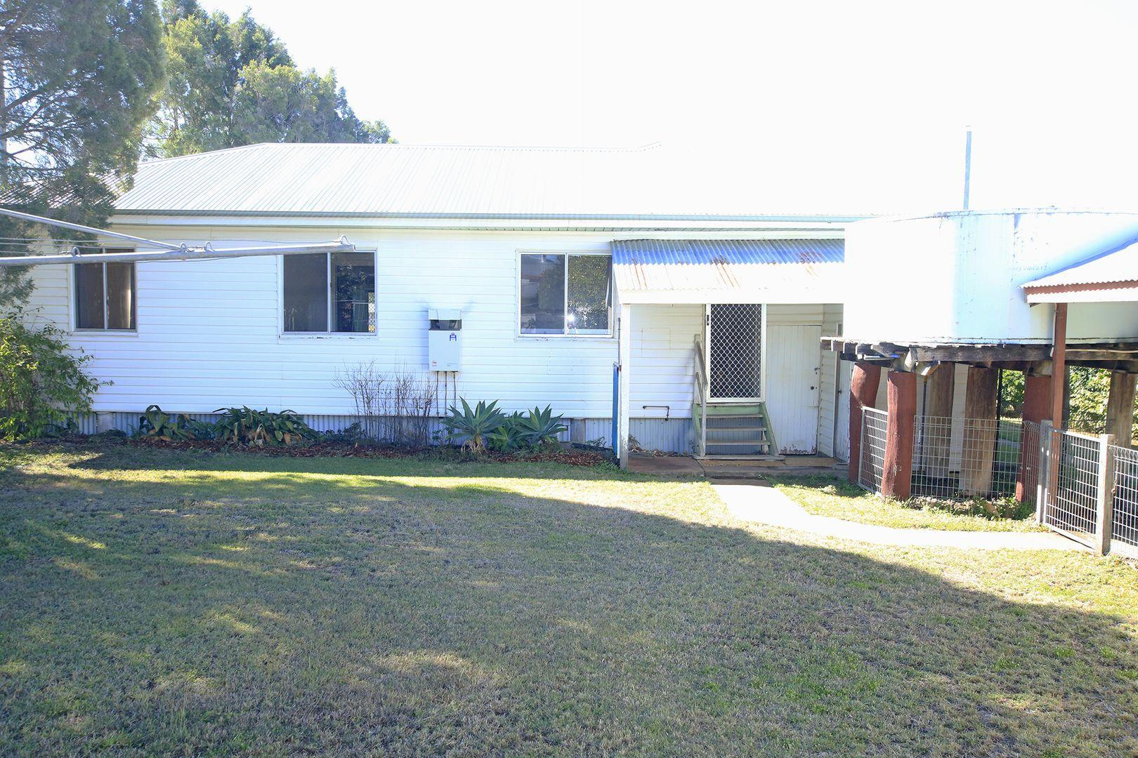 14 Olympia Street, Mundubbera QLD 4626, Image 2