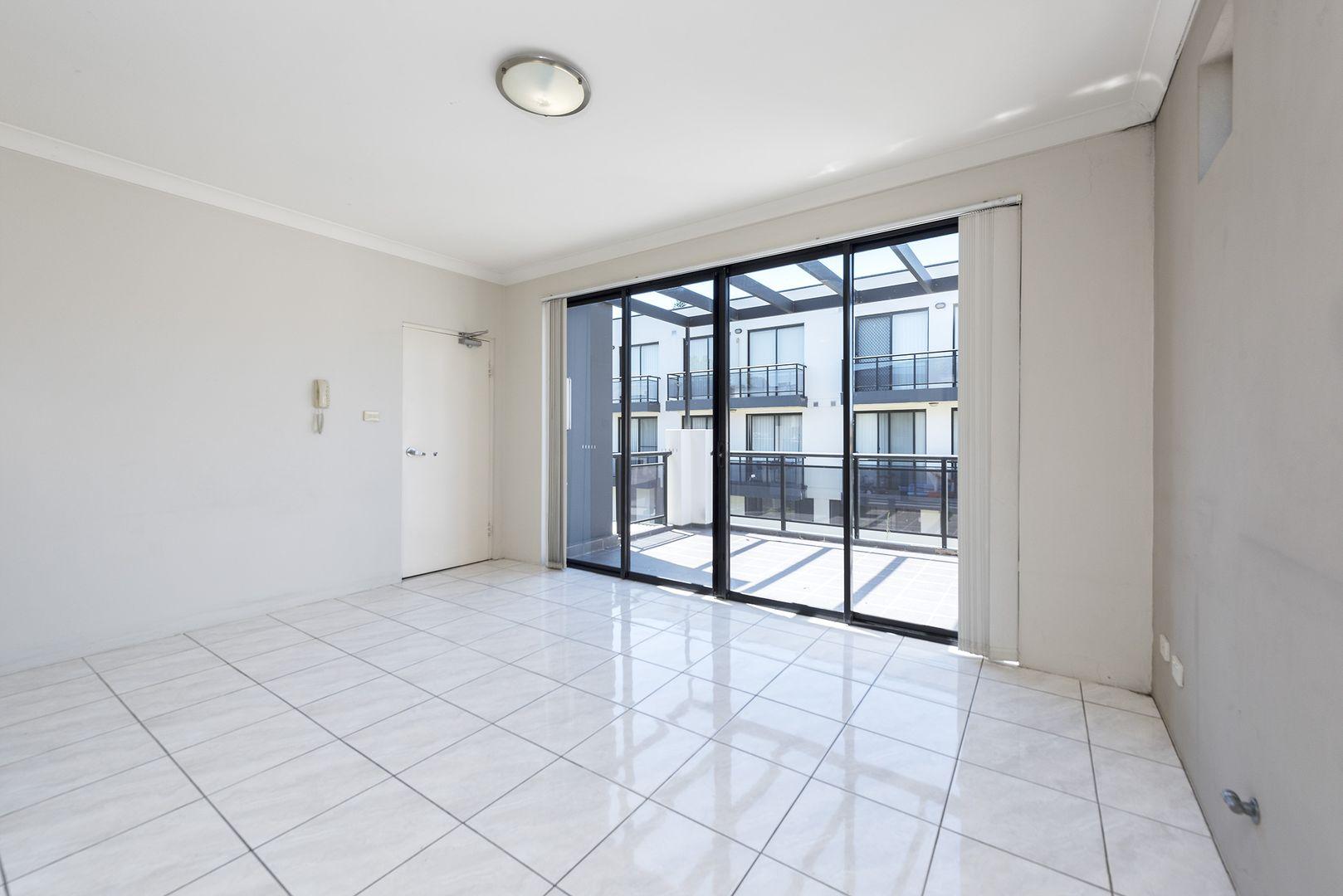 15/7 Short  Street, Wentworthville NSW 2145, Image 2