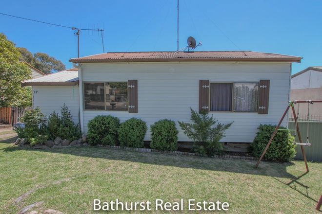 17 Moresby Way, WEST BATHURST NSW 2795