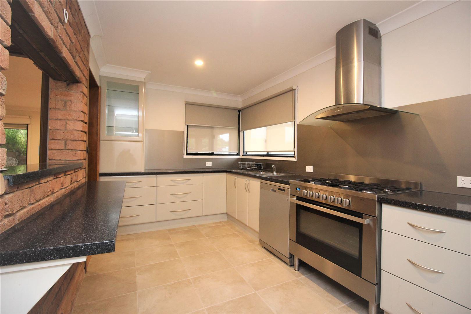 6 Donaldson Street, Cootamundra NSW 2590, Image 1