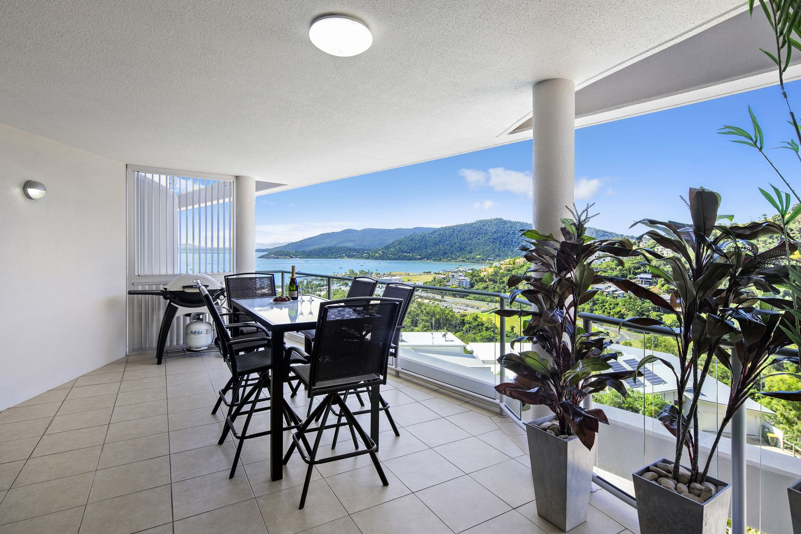 15/18 Seaview Drive, Airlie Beach QLD 4802, Image 2