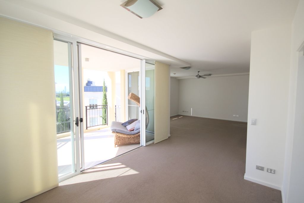 3059/3029 The Boulevard, Carrara QLD 4211, Image 2