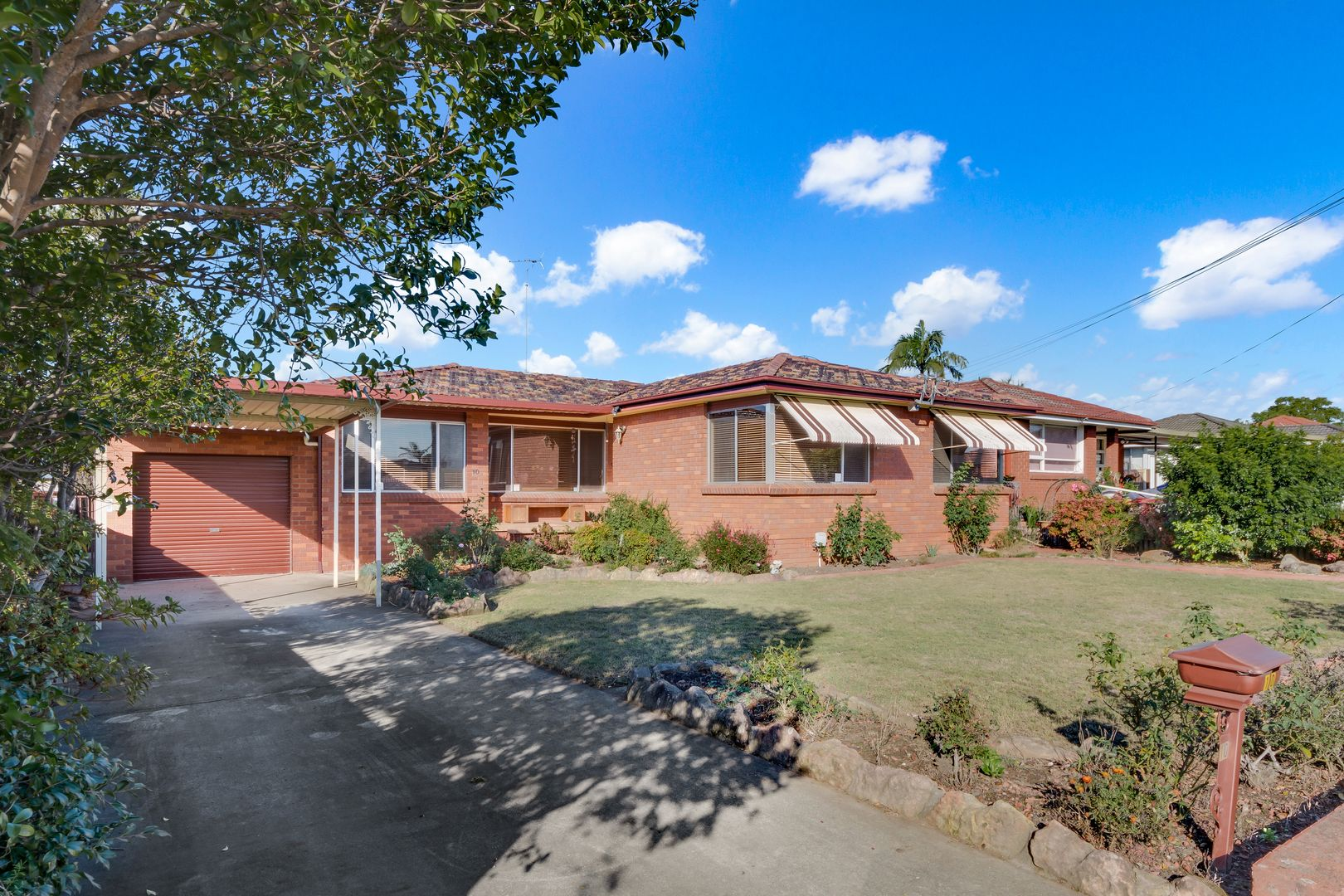 10 Edgar Street, Macquarie Fields NSW 2564, Image 0