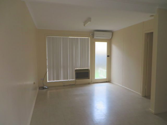 2/3 Kookora, Griffith NSW 2680, Image 2