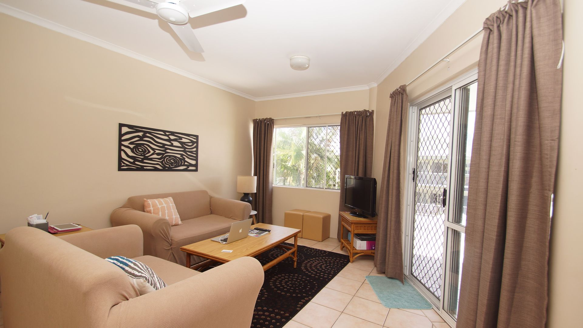 304/219 McLeod Street, Cairns North QLD 4870, Image 2