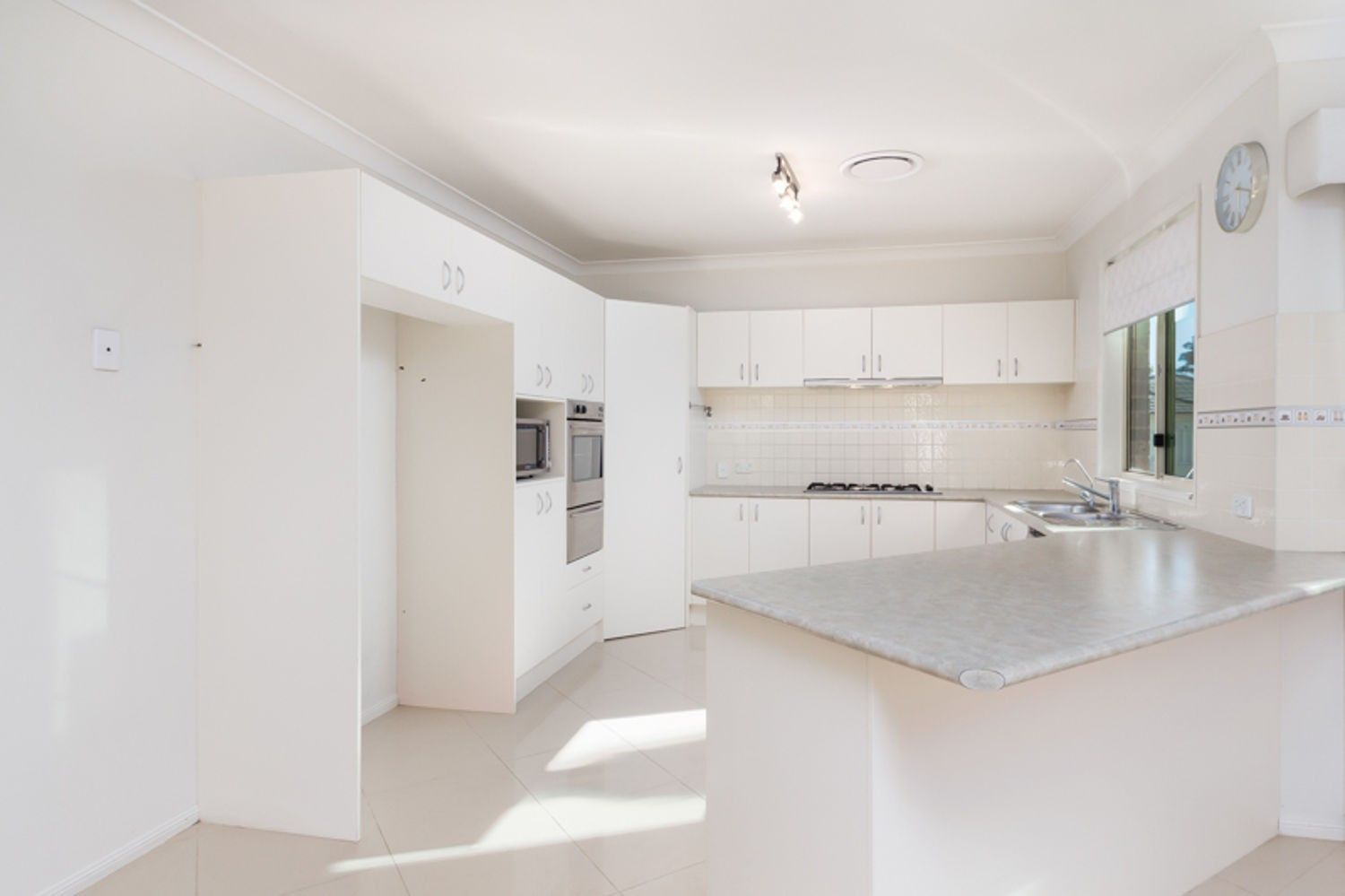 26 Greyfriar Place, Kellyville NSW 2155, Image 2