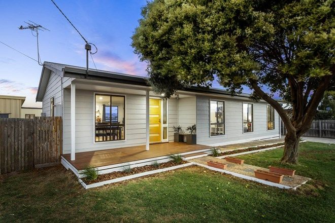 Picture of 55 Lake View Crescent, ST LEONARDS VIC 3223