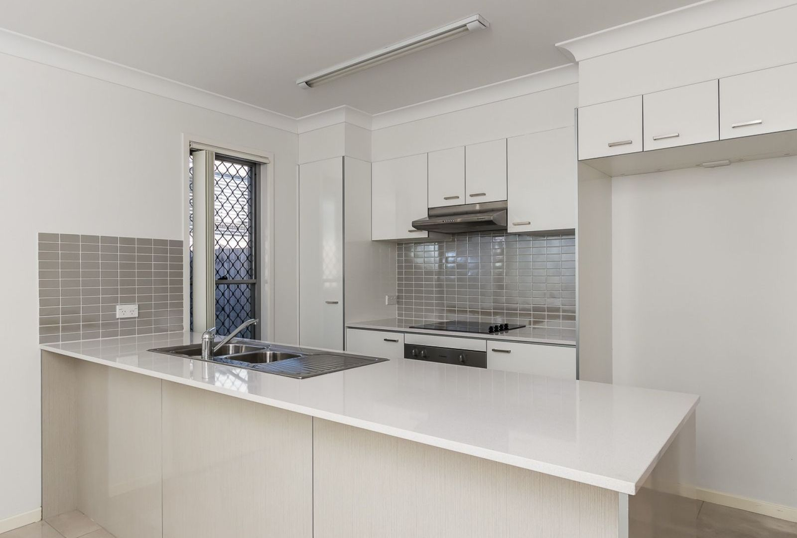 82/6 Clearwater Street, Bethania QLD 4205, Image 2