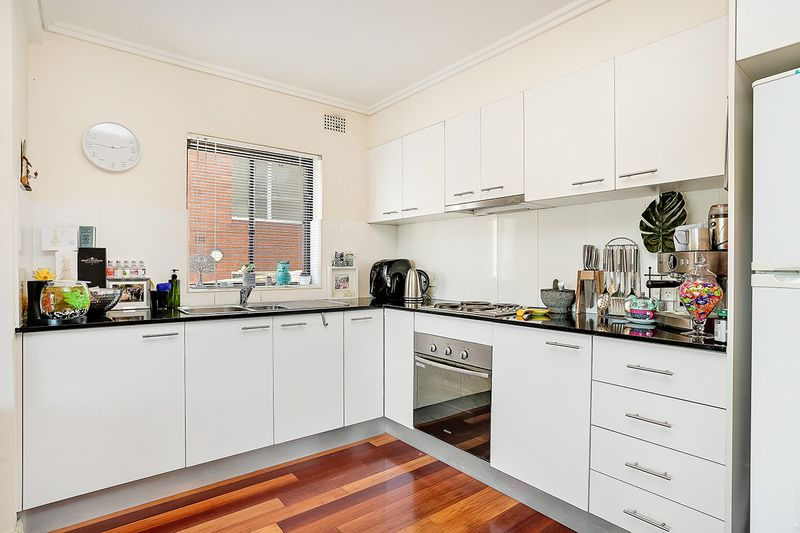 2/30 Glen Street, Marrickville NSW 2204, Image 2