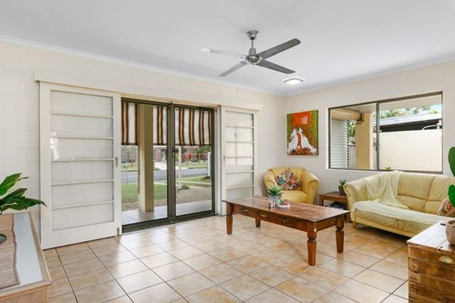 Picture of 32 Oak Street, HOLLOWAYS BEACH QLD 4878