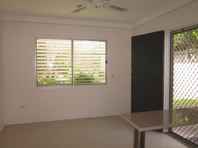 2/6 Hilda Street, Mermaid Beach QLD 4218, Image 2