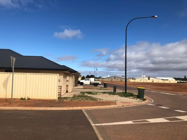 35 Vern Schuppan Drive, Whyalla Norrie SA 5608, Image 2