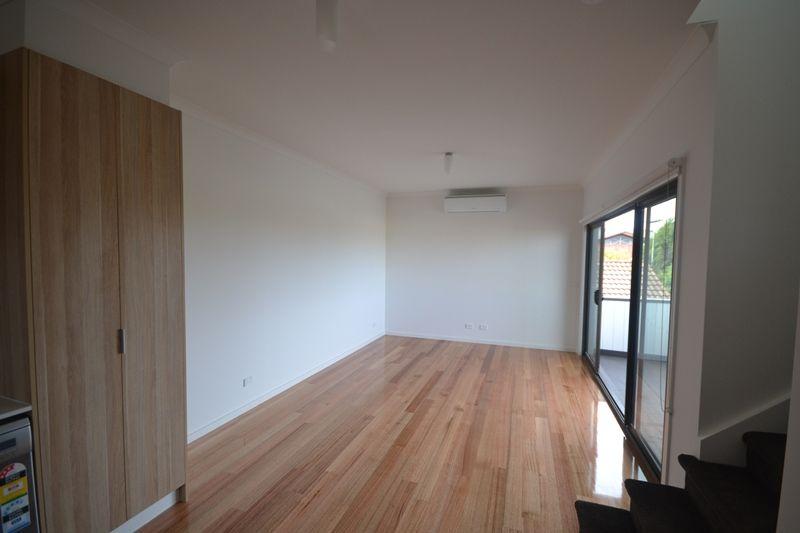 1/274 Ballarat Road, Footscray VIC 3011, Image 1