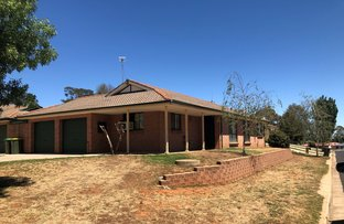 Picture of 12 Rosedale Place, Orange NSW 2800