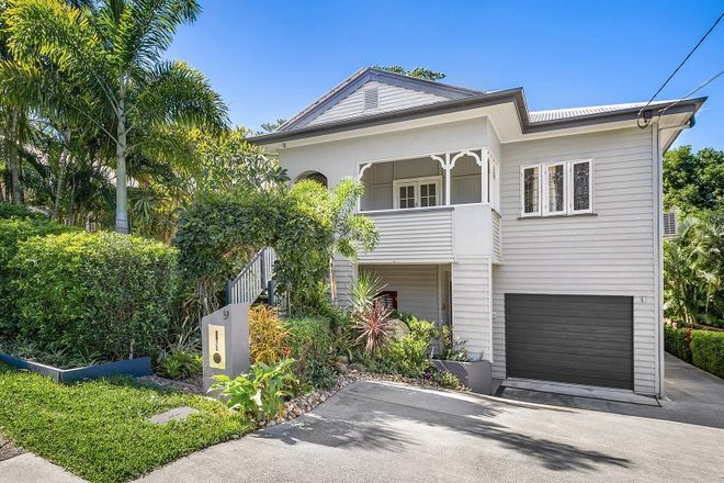 Picture of 9 Hawthorne Road, HAWTHORNE QLD 4171